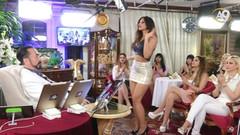Adnan Hoca'nın yeni kediciği Betül'den seksi dans