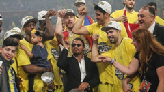 Fenerbahçeli basketbolcular ve Nusret'ten tuzlamalı kutlama