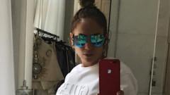 Jennifer Lopez karın kaslarıyla meydan okudu