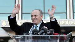 Topbaş'ın istifasının ardından 9 belediye başkanı daha..