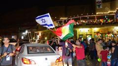 Erbil'de referandum sonuçlarını İsrail bayrağı açıp kutladılar
