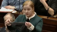 Dantelli iç çamaşırı tecavüzcüyü beraat ettirdi, ülke ayağa kalktı