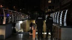 Osmanbey metrosunda korkunç olay! Bir kişi raylara düştü