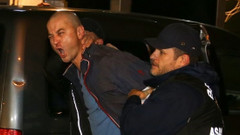 Bu adamı acilen tedavi edin! Ünlülerden Murat Özdemir'e tepki