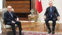 Son dakika: AKP 2, MHP 8 ilde adayını geri çekiyor