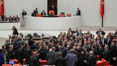 Meclis'te büyük kavga: FETÖ'cü şerefsiz, köpek…