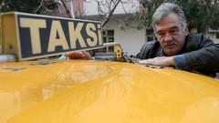 Komedi Dans Üçlüsü'nün yıldızı Murat Akkaya taksi şoförü oldu