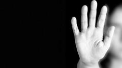 9. sınıftaki kıza herkesin önünde 6 kişi tecavüz etti