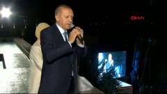 Erdoğan'dan balkon konuşması: Mesajı aldık