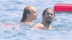 Hamile sevgilisini terk etmişti! Tuncay Şanlı yeni aşkıyla tatilde
