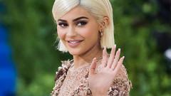 20 yaşında milyarderliğe ilerleyen Kylie Jenner kimdir?