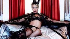 Ünlü yıldızların yatak odası fantezileri: Poposuna şaplak atılmasını seviyor