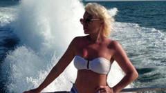 72 yaşındaki Ajda Pekkan'ın bikinili tatil pozu olay oldu
