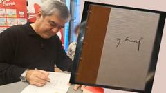 Yılmaz Özdil kitap geliriyle köy okullarına kitap dağıtacağını yazdı