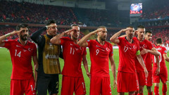 UEFA asker selamına soruşturma iddialarını yalanladı