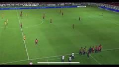 Maçın ilk 5 dakikası futbolcuların maaş protestosu şoke etti