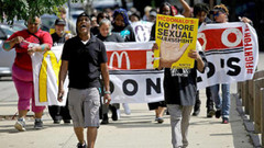 McDonald's'ta cinsel taciz skandalı!
