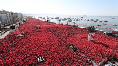 CHP'den flaş İzmir mitingi tepkisi: Getirdikleri yerli turistlerle..