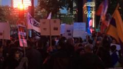 Paris'teki Türk Büyükelçiliği önünde toplanan Ermenilere polis ne yaptı?