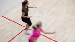 Squash turnuvasında dereceye giren sporculara vibratör hediye edildi!