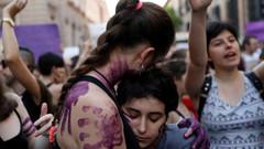 BM raporuna göre kadınlar için en tehlikeli yer kendi evleri