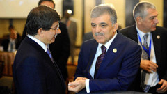 Gül'den Babacan'a: Davutoğlu dinci imajıyla bilinir, partimizde olmamalıdır