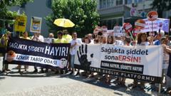 Sağlık çalışanları şiddeti protesto etti!