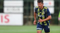 Emre Belözoğlu bin 542 gün sonra yeniden Fenerbahçe formasıyla