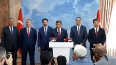 Haber kanalları Davutoğlu'nun istifa açıklamasını görmezden geldi