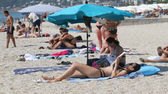Alanya'da tatilciler sahilleri doldurdu