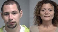 Kendilerini gözaltına alan polisin devriye arabasında seks yaptılar