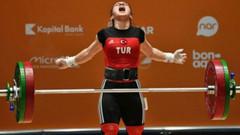 Milli halterci Şaziye Erdoğan dünya şampiyonu oldu