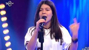 16 yaşındaki Berra Atahan sesiyle jüriyi büyüledi