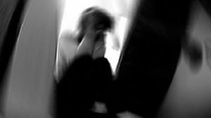 Genç kız tecavüzcüsünü görünce sinir krizi geçirdi