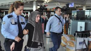 Rus yolcu havalimanını karıştırdı!