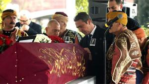 Mustafa Koç'un tabutundaki kırmızı renkli Osmanlı sancağının sırrı ne?