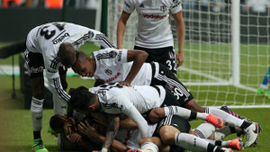 Beşiktaş İtalya'da tarih yazdı! Napoli zaferinin sosyal medya yankıları