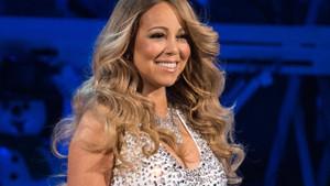 Mariah Carey dansçısıyla aşk yaşıyor