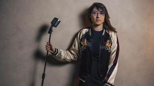 Hikayesiyle şaşırtan aykırı bir şarkıcı: Kalben kimdir?