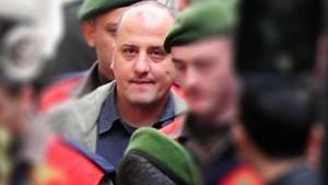 FETÖ karşıtı kitabı için hapis yatan Ahmet Şık'a FETÖ suçlaması