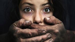 Kumar borcuna karşılık 15 yaşındaki kızını...