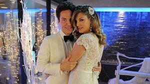 Daisy Fuentes düğün yapmaya doyamadı