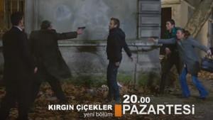 Kırgın Çiçekler'de Kemal'in şantajı ortaya çıkıyor