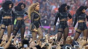 Superbowl gecesinde Beyonce fırtınası