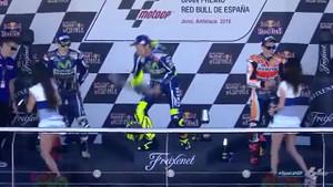 Valentino Rossi'nin gazabına uğradı!