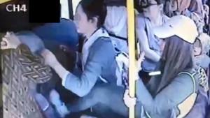 Otobüste kadını taciz etti, dayak yedi