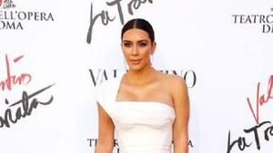 Kim Kardashian'ın şık elbiseleri