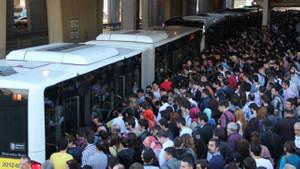 Metrobüs sapığı aranıyor!