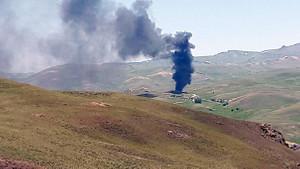 PKK'lılar araçları yaktı, 25 kişiden haber alınamıyor