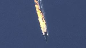 Şimşek: Rus uçağını düşüren pilotlar, kararı kendileri aldı